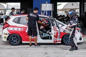 ทีม MOTOR EXPO RACING ลุยเอนดูรานศ์เรศสุดท้ายด้วยรถแข่งคันใหม่ !