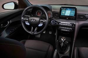"Hyundai Veloster  รุ่นใหม่ การกลับมาของแฮทช์แบค ""อสมมาตร"" จากแดนกิมจิ !"