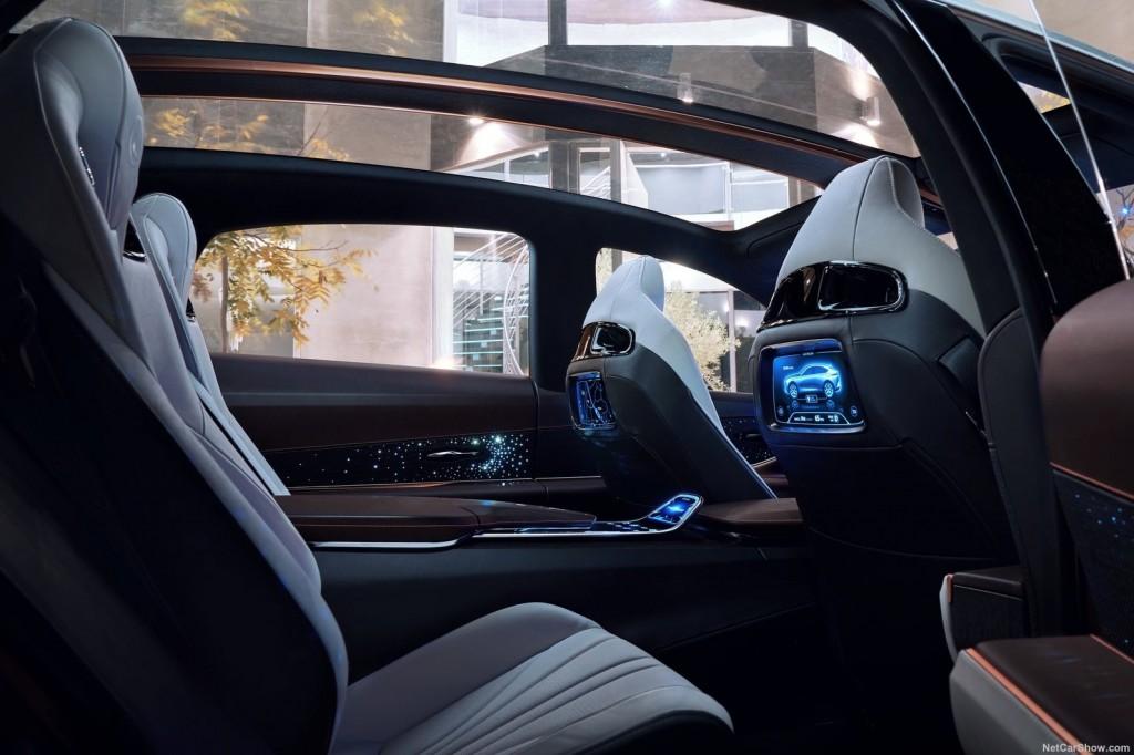 Lexus-LF-1_Limitless_Concept-2018-1600-2c