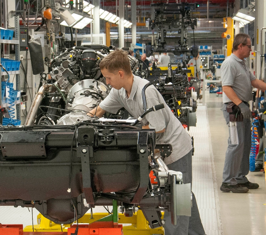 Magna team members build each G-Class with precision