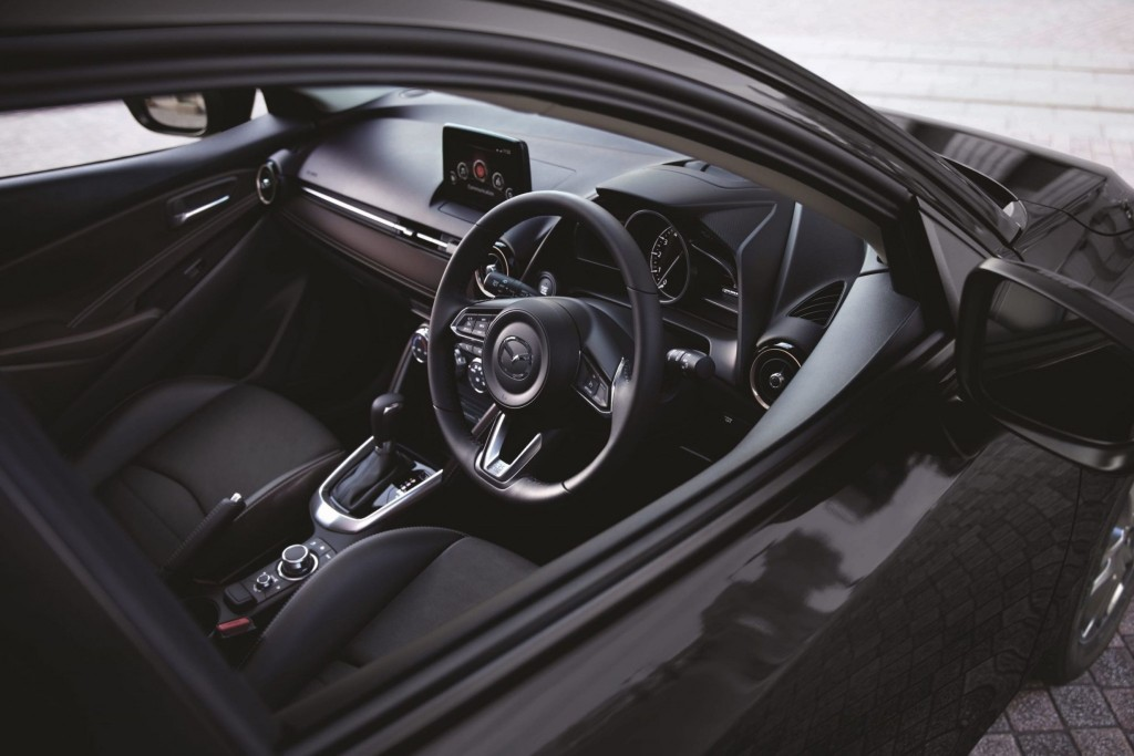 Mazda2 (5)