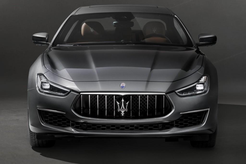 Maserati-Ghibli_GranLusso-2018-1600-03