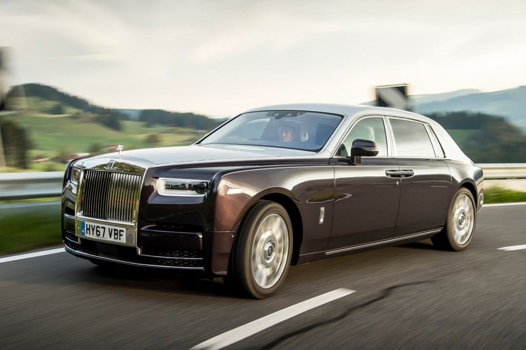 Rolls-Royce-Phantom-2018-1600-16
