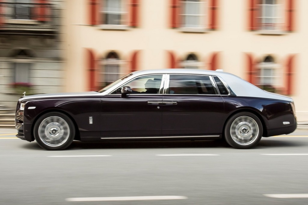 Rolls-Royce-Phantom-2018-1600-42