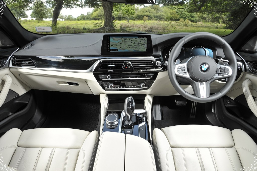 The new BMW 530i Touring M Sport (2)