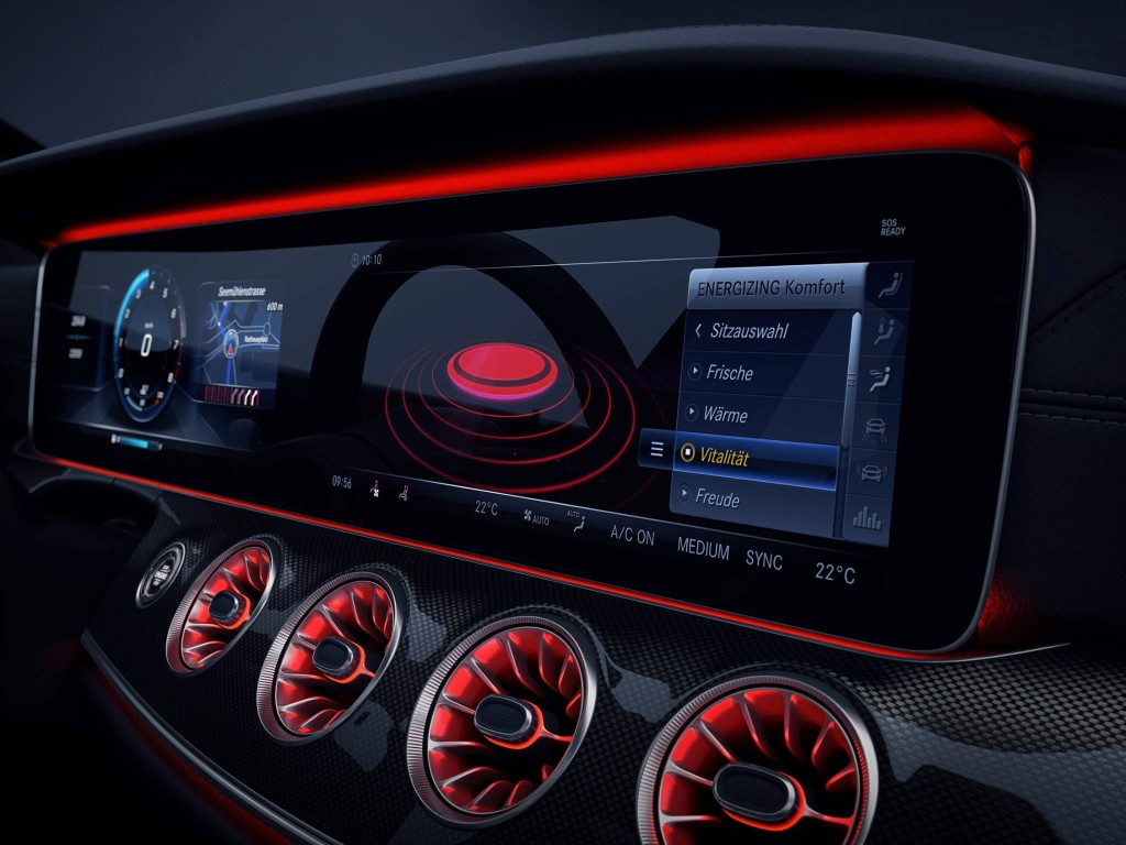 Mercedes-Benz-CLS-dashboard