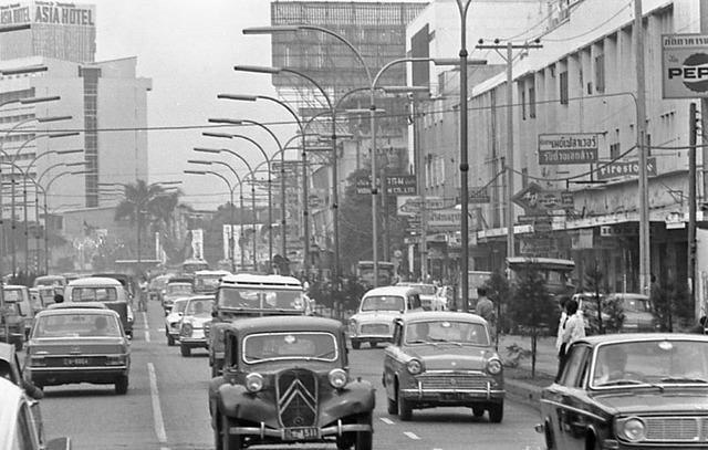 โรงแรม เอเซีย ปี70....และ รถราที่คลาสสิคมากๆ บนถนนพญาไท