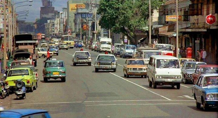 ถนนหลานหลวง ปี 2517 ภาพจากภาพยนตร์เรื่อง 007 The Men with Golden Gun ที่ถ่ายทำที่เมืองไทย
