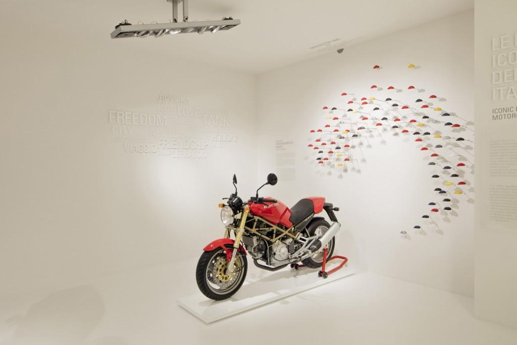 Ducati Museum - Monster 900