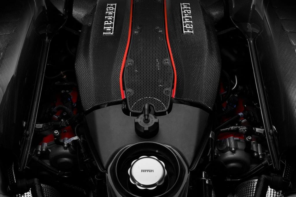 Ferrari-488_Pista-2019-1600-0d