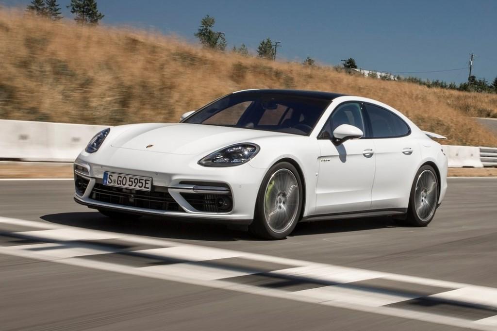 Porsche-Panamera_Turbo_S_E-Hybrid-2018-1600-17