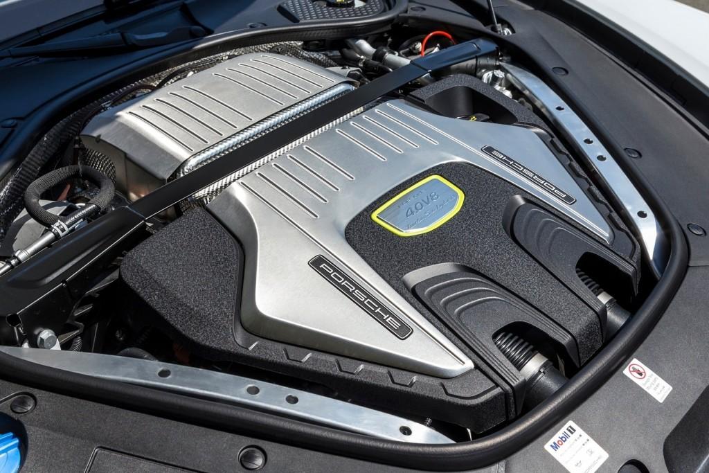 Porsche-Panamera_Turbo_S_E-Hybrid-2018-1600-67