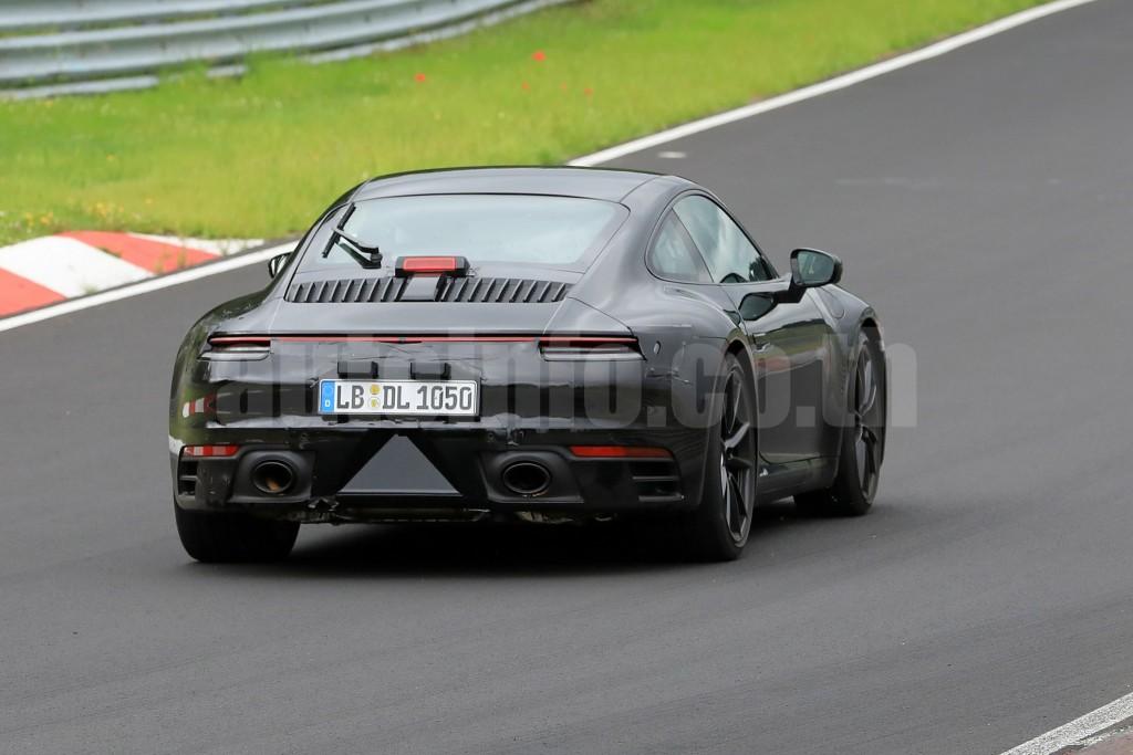 R Porsche 911 009