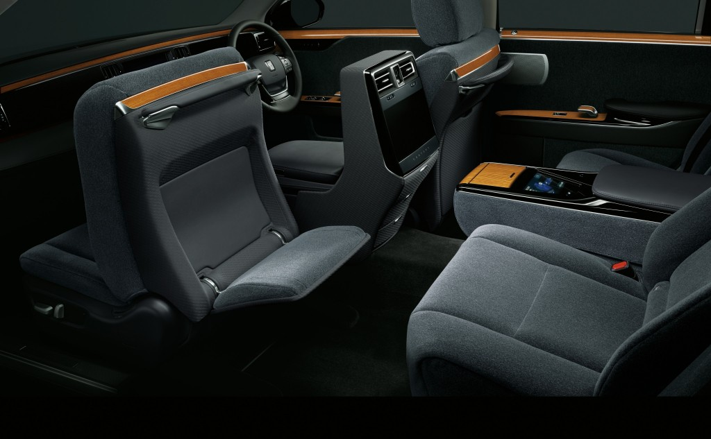 Toyota-Century-G60-2019-30