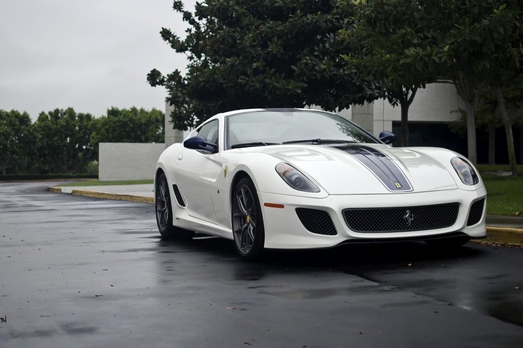 White_Ferrari_599_GTO_(8184050574)