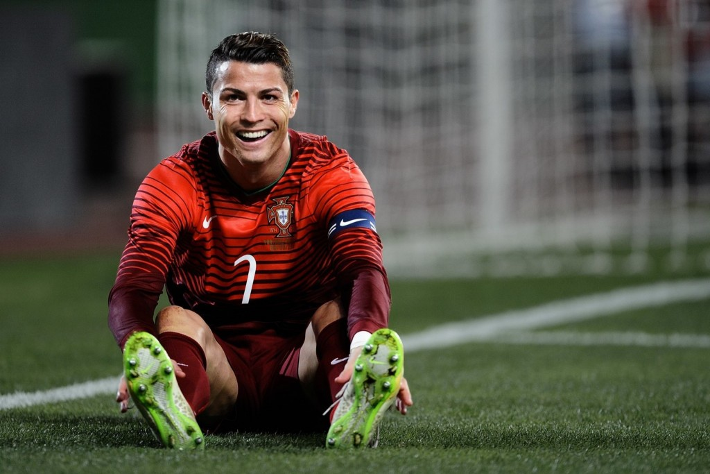 portugal-free-cristiano-ronaldo-hd-football-mobile-desktop-download-wallpapers-images