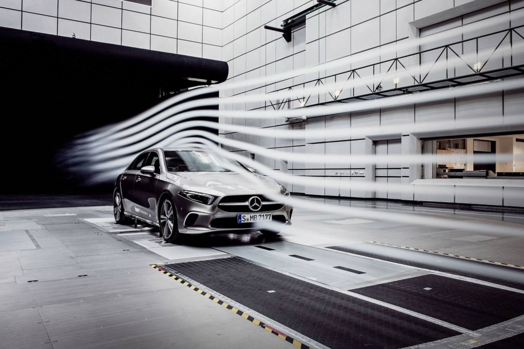 2019-mercedes-a-class-sedan-teaser (1)