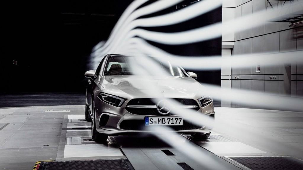 2019-mercedes-a-class-sedan-teaser (2)