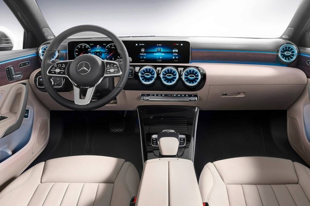 2019-mercedes-benz-a-class-sedan (6)