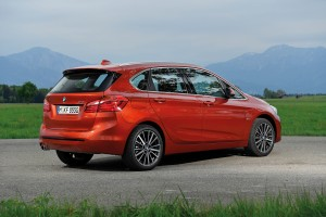 BMW 2-SERIES ACTIVE TOURER เรียกรถแฮทช์แบคก็ใช่ เรียก เอมพีวี ก็ไม่ผิด