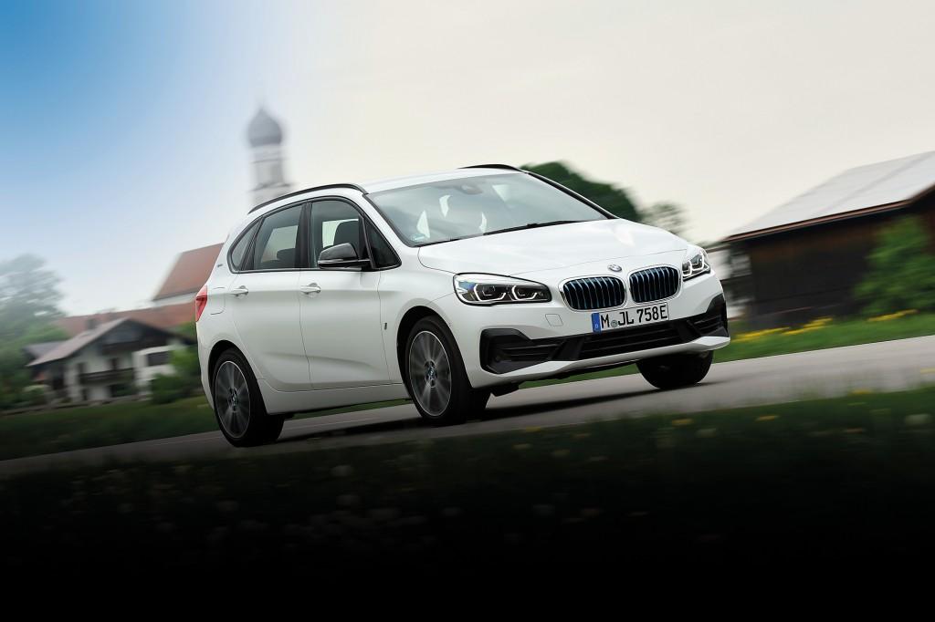 BMW 225XE IPERFORMANCE รถไฮบริดชนิดต้องเสียบ เปลี่ยนรุ่นกระตุ้นยอดขาย