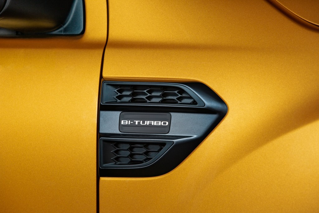 BTurbo badge on the body side