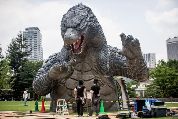 Tetsuo+Hayashi+Godzilla+Gets+Final+Touch+Up+Gy4swDmgBNKl