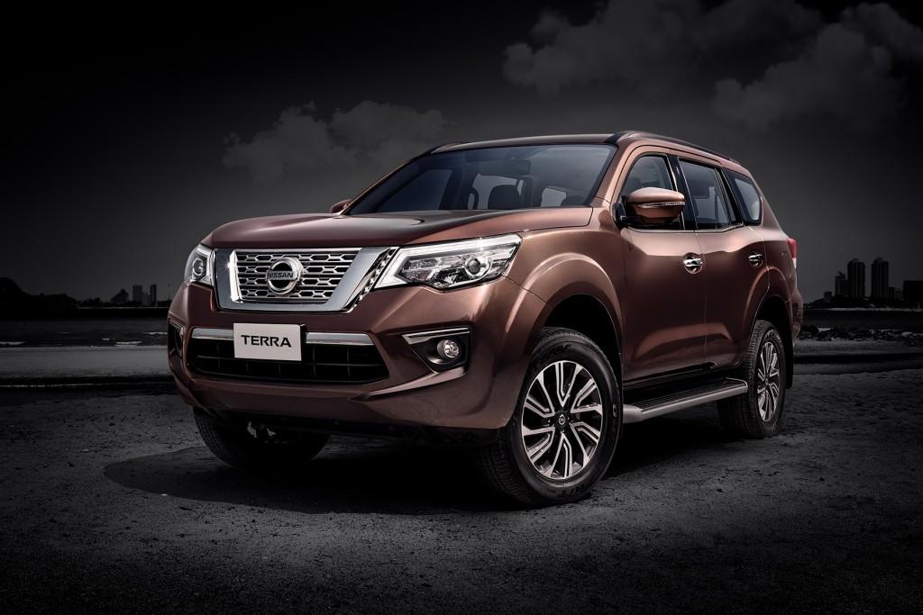 กว่าจะมา ! Nissan Terra (ราคา 1,316,000-1,427,000 บาท) เอสยูวีบึกบึน มาทีหลัง แต่ยังมีทีเด็ด ! พร้อมเทียบราคาเบื้องต้นกับคู่แข่งในตลาด