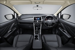 MITSUBISHI XPANDER EXPAND YOUR POSSIBILITIES
