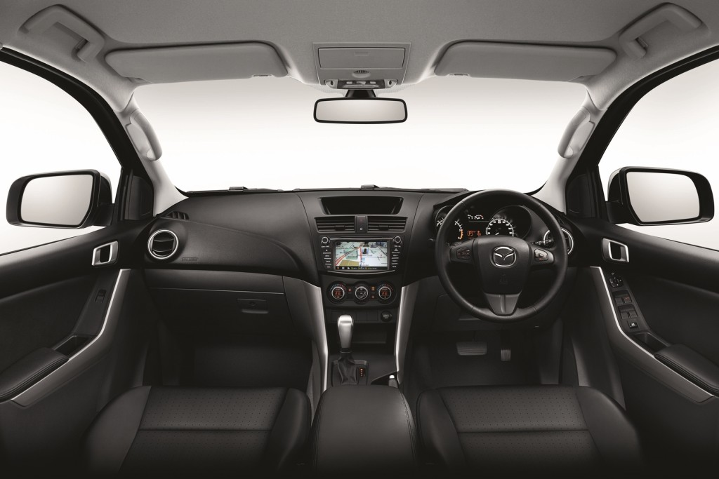 Mazda BT-50 Pro  Console