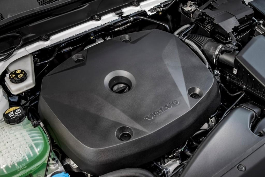 Volvo-XC40_UK-Version-2018-1600-8c