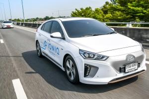 ทดลองขับ/ทดสอบ Hyundai Ioniq Electric ฟาสต์แบคพลังงานไฟฟ้า ทรงสปอร์ท อัตราเร่งสูสี Honda Civic 1.8 !