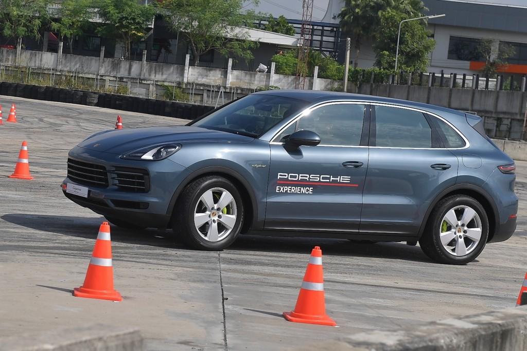 ทดลองขับ Porsche Cayenne E-Hybrid เอสยูวีพลังสปอร์ท ขับสนุก ปรับราคาเริ่มต้น โดนใจกว่าเดิม !