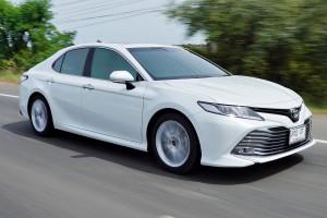 ทดลองขับ Toyota Camry ไม่ใช่แค่รุ่นใหม่ แต่ยกเครื่องใหม่รอบคัน !