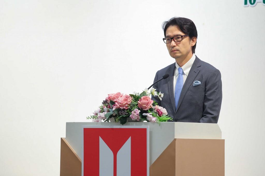 IMG-68 มร.โทชิอากิ มาเอคาวะ ประธานกรรมการมูลนิธิกลุ่มอีซูซุ