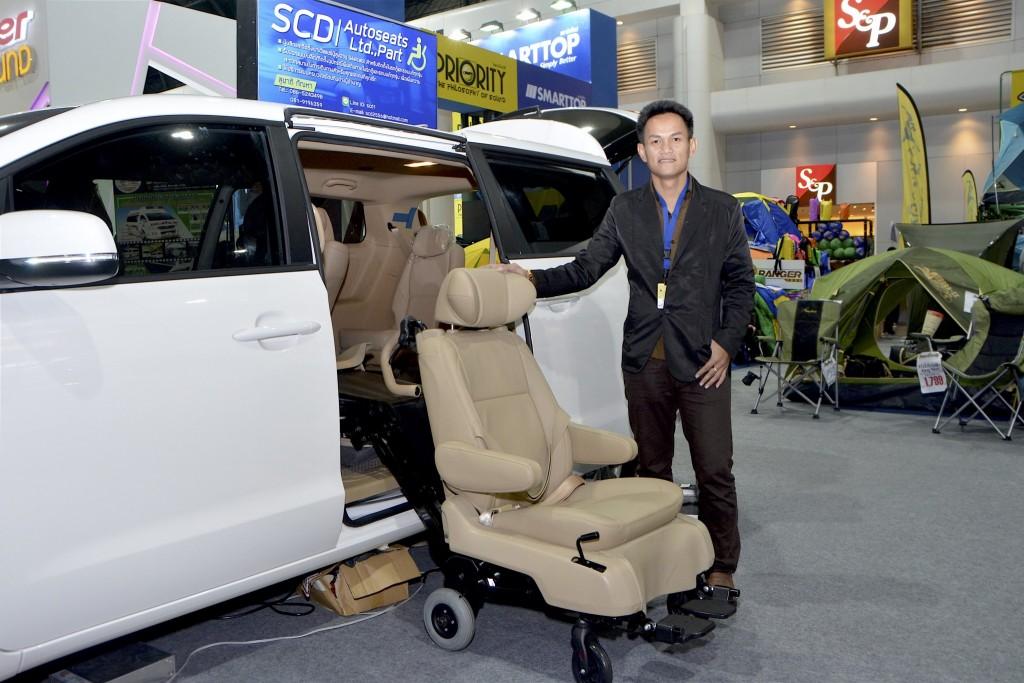 SCD แนะนำเบาะวีลแชร์ติดรถยกถ่ายผู้โดยสารอัตโนมัติ