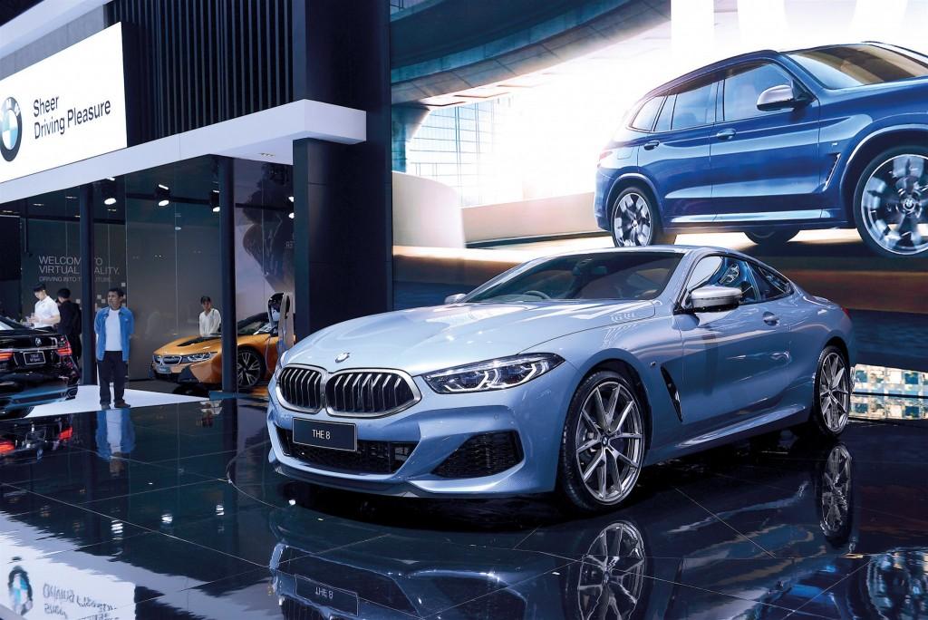 03 BMW M850I 01 copy