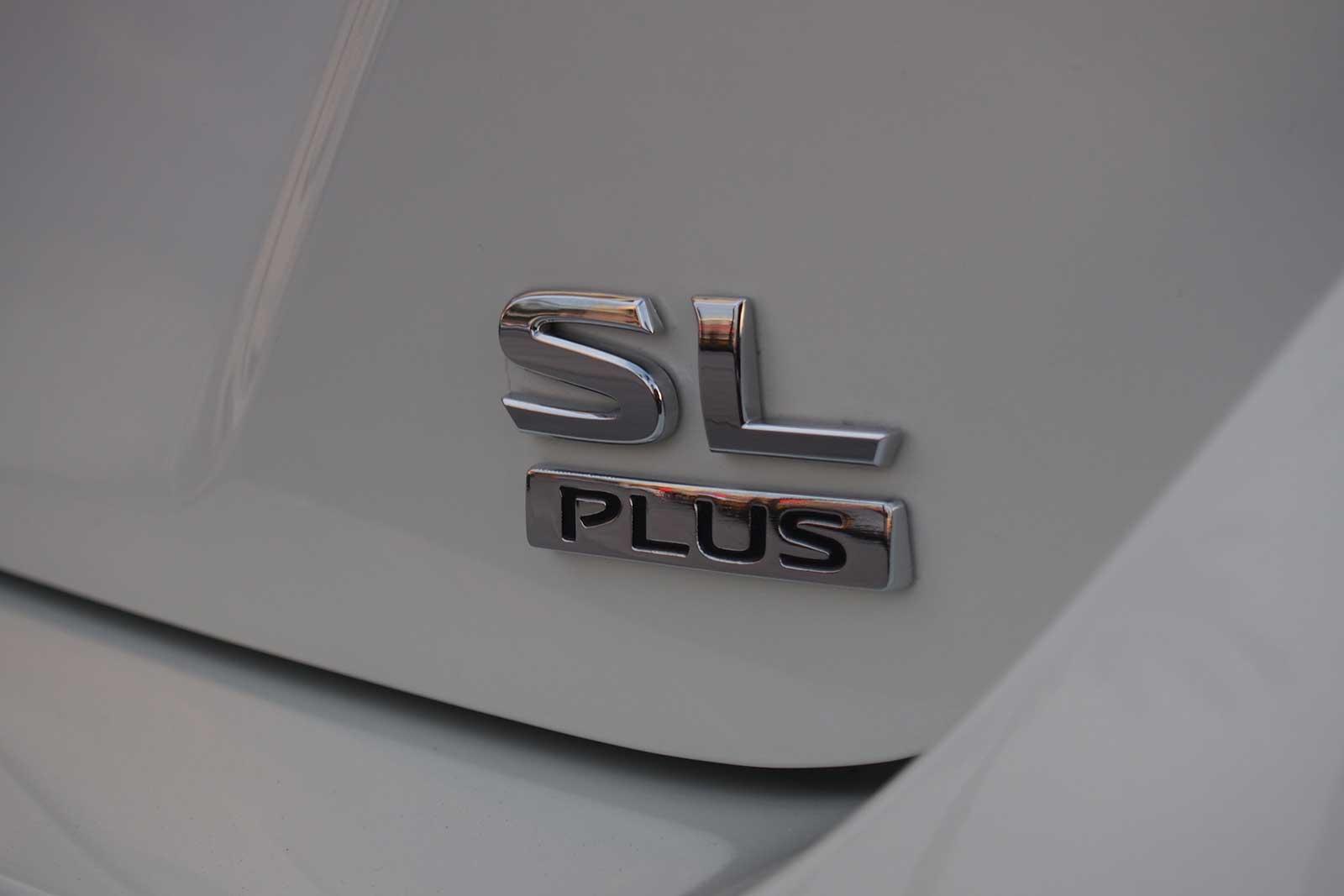 2019-Nissan-Leaf-Plus-07