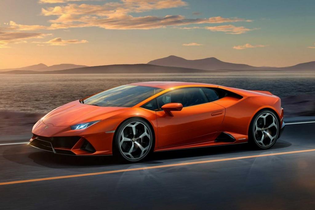Lamborghini Huracan Evo เพิ่มมัดกล้ามให้กระทิงดุตัวเก่ง !