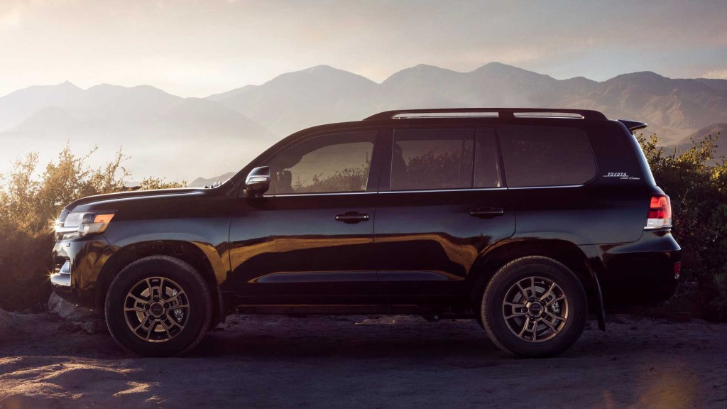 2020-toyota-land-cruiser-heritage-edition