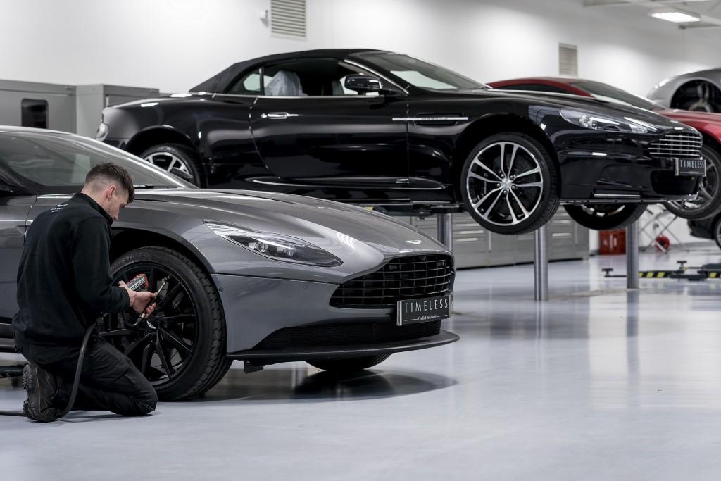 Aston Martin TIMELESS-2