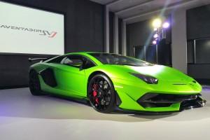 ราชันแห่ง Nurburgring มาจุติแล้วในบ้านเรา ! Lamborghini Aventador SVJ สุดขีดของกระทิงดุตัวธง พละกำลังถึง 770 แรงม้า อัตราเร่ง 0-100 กม./ชม. ใน 2.8 วินาที สนนราคาเริ่มต้นที่ 44,500,000 บาท !