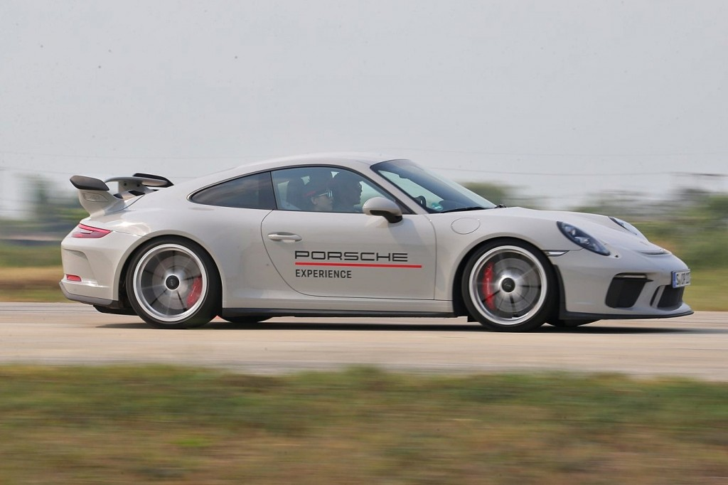 งานปล่อยของสุดเร้าใจ ! Porsche World Roadshow 2019 กับการขับขี่แบบเน้นสมรรถนะด้วยสปอร์ทหลากรุ่นหลายสไตล์ !