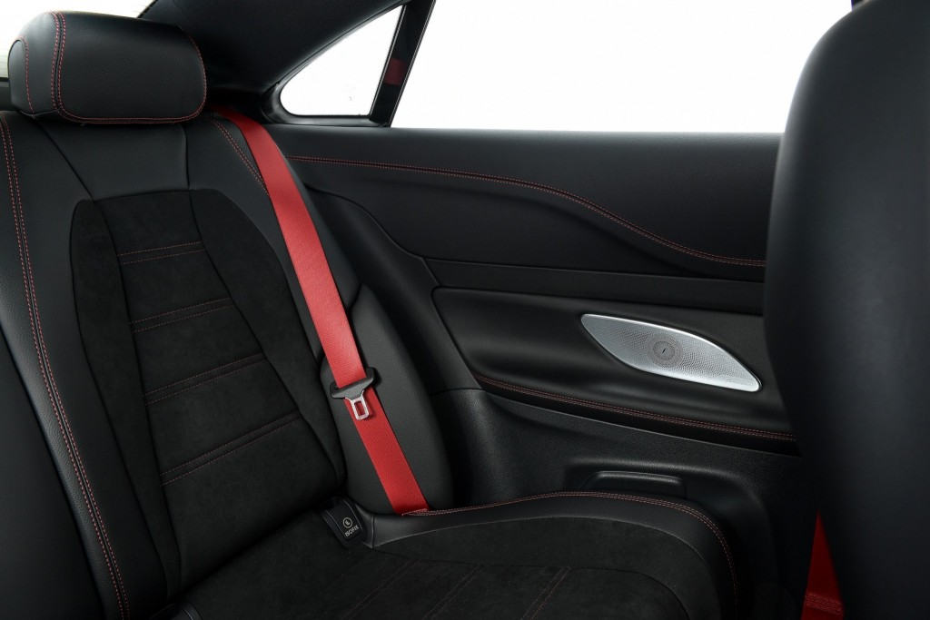 MBTh_Mercedes-AMG E 53 4MATIC+_Coupe+Interior (12)
