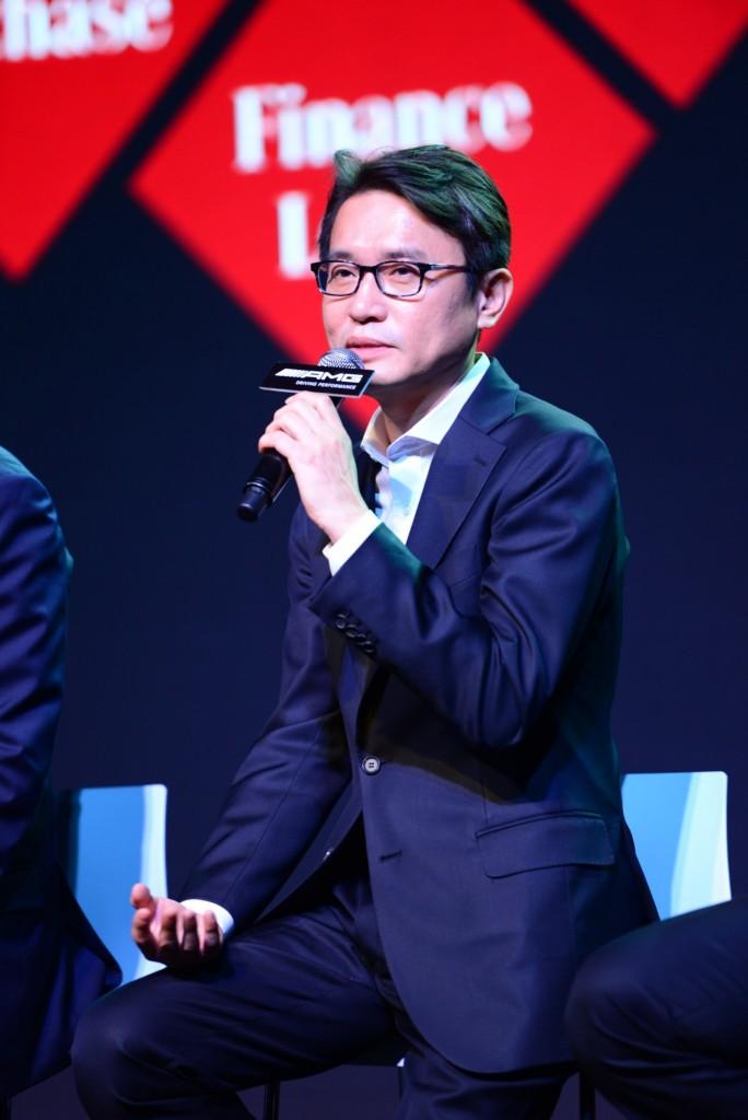 Mr. Sichan Song, Managing Director of Mercedes-Benz Leasing (Thailand) Co. Ltd. (1)