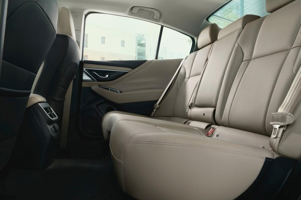 Subaru-Legacy-2020-1600-06