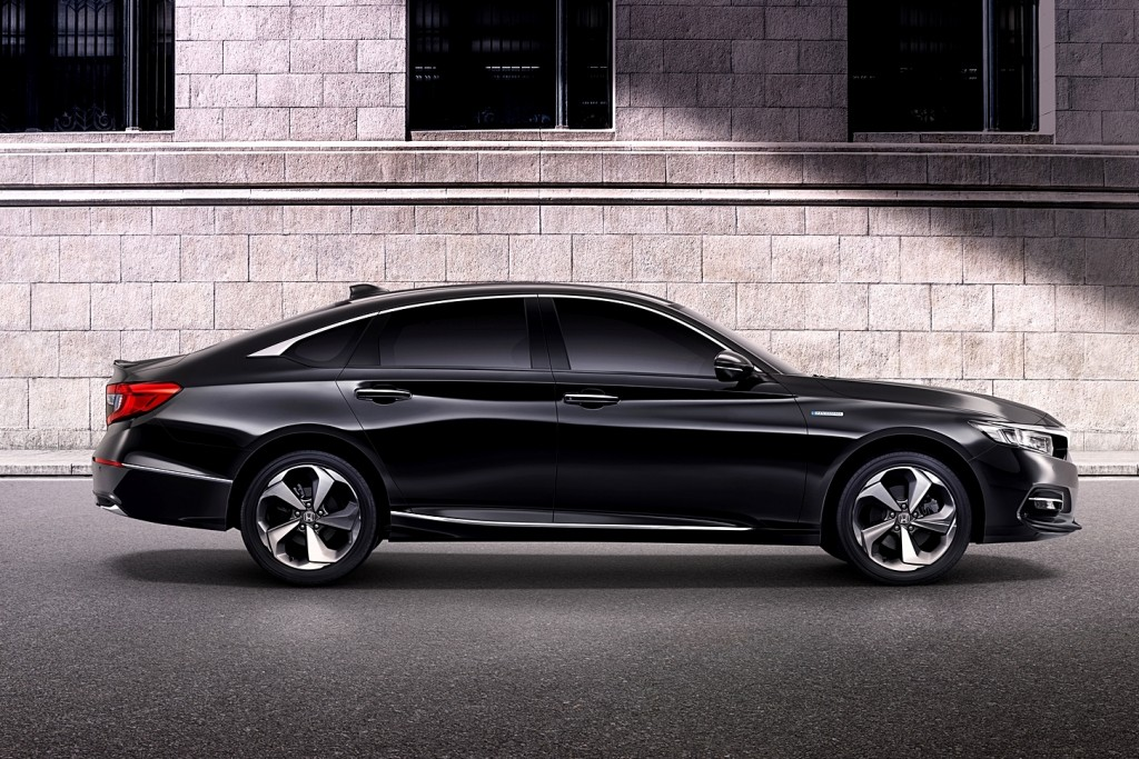 All-new Accord with Background (Side)