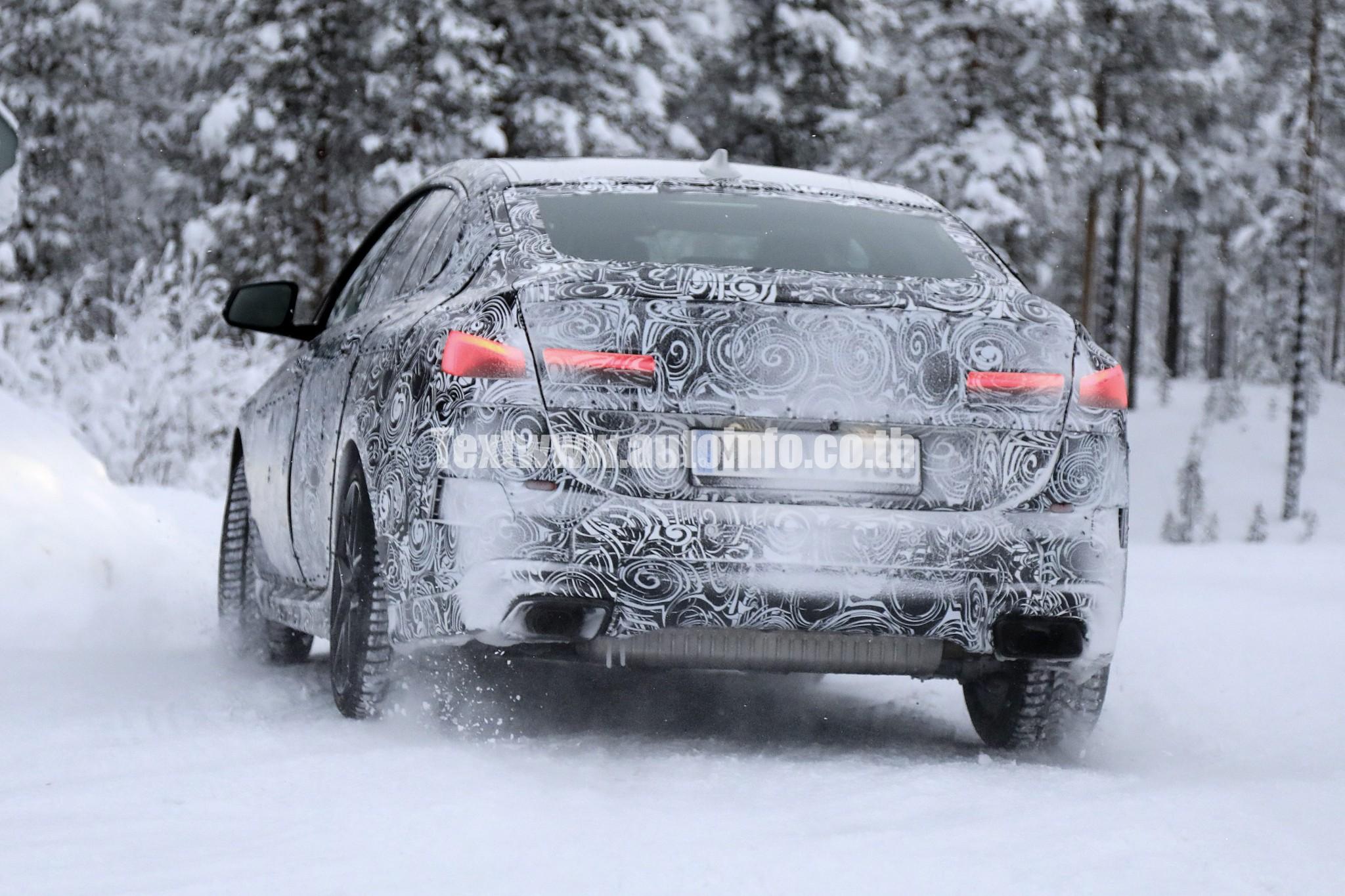 BMW 2-Series GranCoupe 011 w