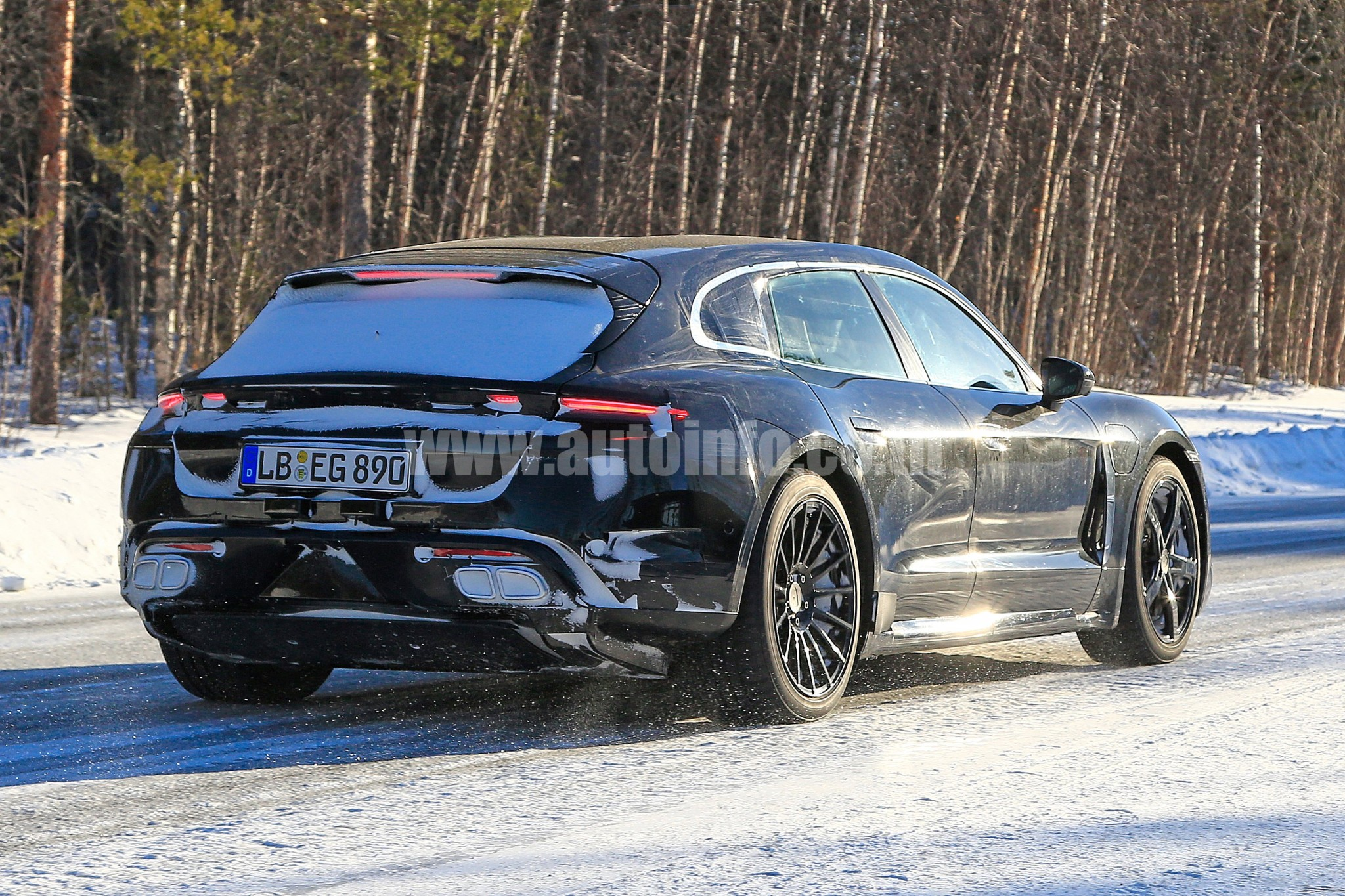 Porsche Taycan Sport Tourismo 008 w