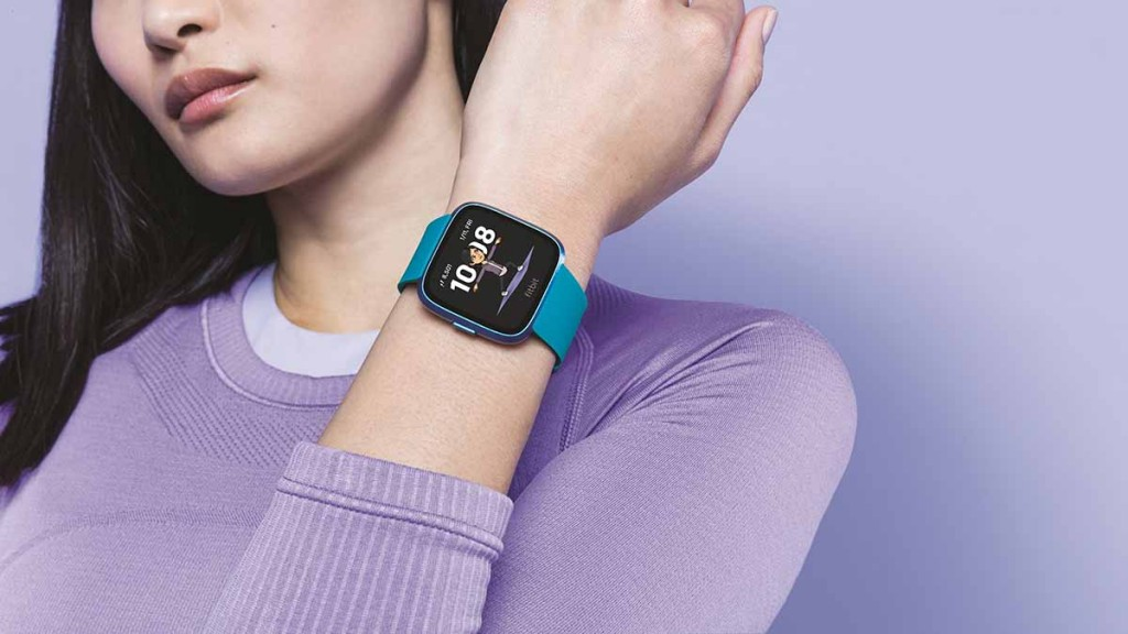 Fitbit Bitmoji สมาร์ทวอทช์โชว์หน้าผู้ใช้